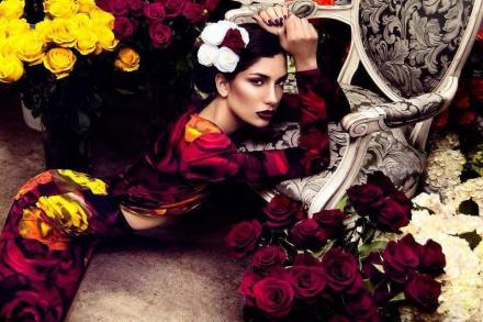 Slow-Luxury-4th-chakra-contemplating flowers