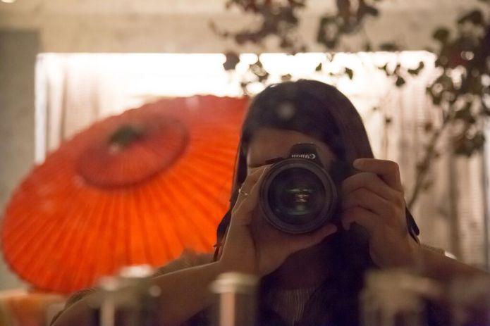 Larissa, photographer